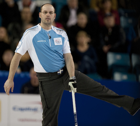 Quebec skip Jean-Michel Ménard watches his shot. (Photo, CCA/Michael Burns)