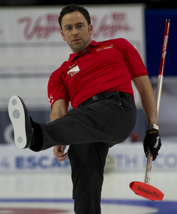 Team World's David Murdoch shows his intensity on Saturday at the WFG Continental Cup. (Photo, CCA/Michael Burns)