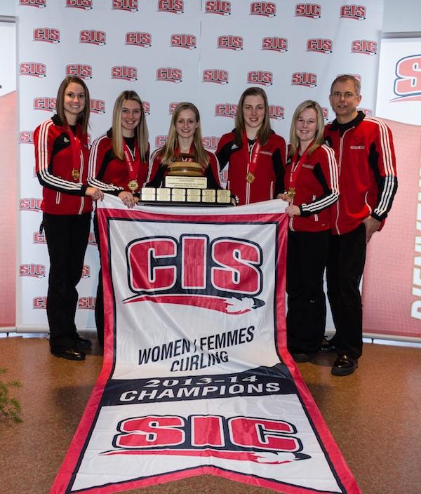 Carleton University Ravens, winners of the 2014 CIS/CCA University Curling Championships (Photo CIS University Championships)