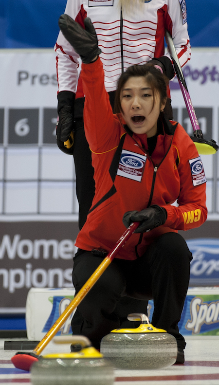 Chinese skip Sijia Liu gives directions to her sweepers. (Photo, CCA/Michael Burns)