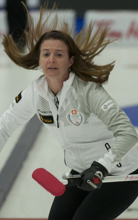 Heather Nedohin lost a 5-4 nailbiter to Ottawa's Rachel Homan on Thursday at the Home Hardware Canada Cup. (Photo, CCA/Michael Burns)