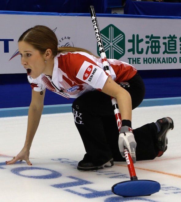 Canada's Kaitlyn Lawes calls instructions to sweepers (Photo, WCF/Richard Gray)