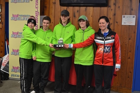 Lee Merklinger poses with the winners of the Merklinger Division of the Ottawa Youth Curling League (Photo Joe Pavia)