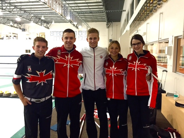 Thomas Scoffin, Canadian University champion and 2012 Youth Olympics bronze medalist, visited the team to offer tips on competing at the Youth Olympic Games  (Photo H. Radford)