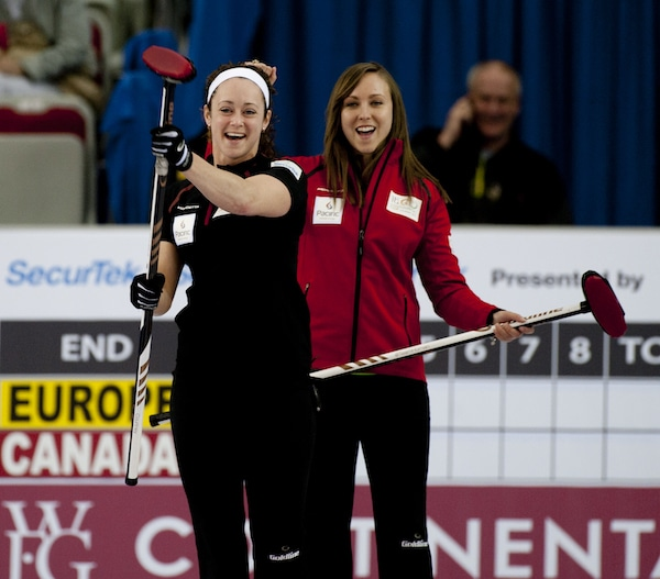 2015 World Financial Group Continental Cup Curling, Calgary AB, Joanne Courtney, Rachel Homan, CCA/michael burns photo