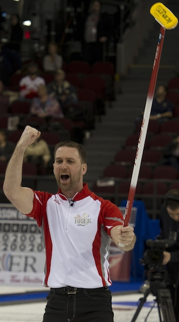 Newfoundland/Labrador skip Brad Gushue celebrates his dramatic win on Thursday. (Photo, Curling Canada/Michael Burns)