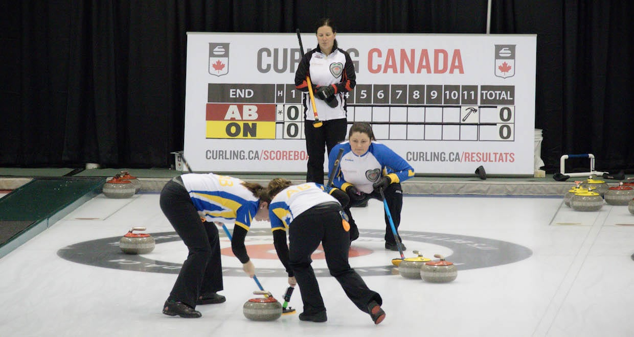 Action between Ontario and Alberta in the Women's semifinal at the 2016 Travelers Curling Club Championship (Curling Canada/Jessica Krebs photo)